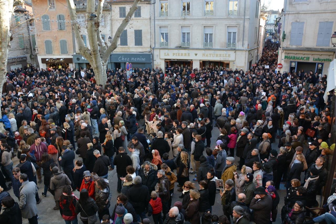 Mobilisation sans précédent en hommage aux victimes des attentats parisiens de janvier 2015