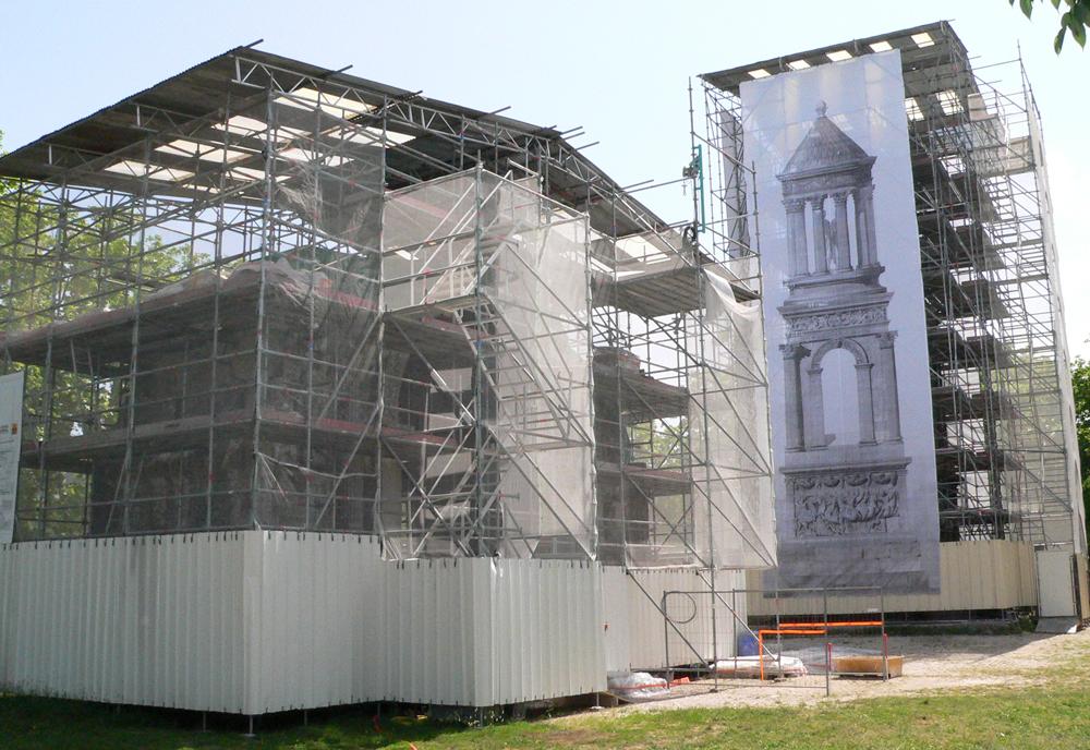 Les Antiques en cours de rénovation