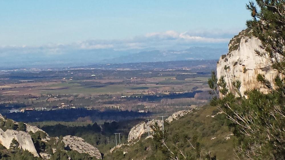Le vallon de Valrugues avec les anciens pylônes