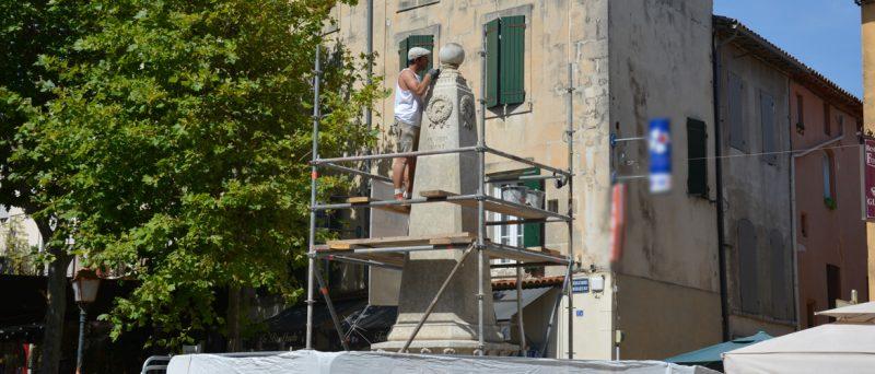 La fontaine de la Trinité en cours de restauration