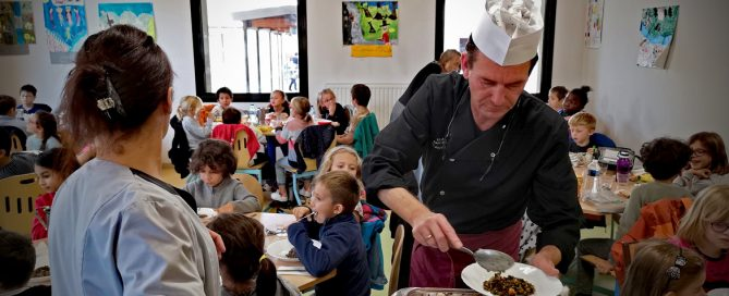 La restauration scolaire saint-rémoise parmi les plus performantes de France